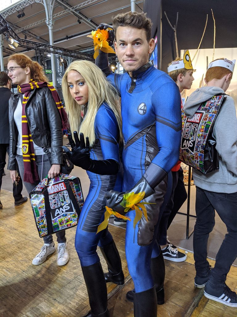 Cosplay Sue Storm Reed Richards Comic Con Paris 2019